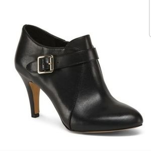 Vince Camuto black heeled booties NWOY